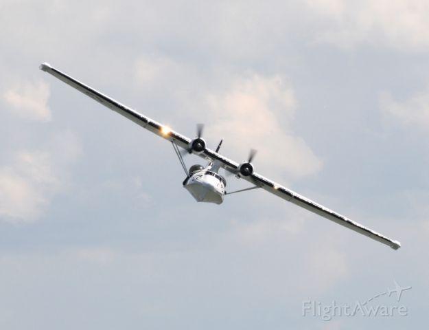 de Havilland Dash 8-400 (G-PBYA) - CATALINA ON SHOW