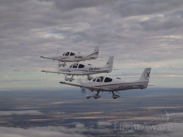 Cirrus SR-22 (VH-PGU) - Over the Tanami