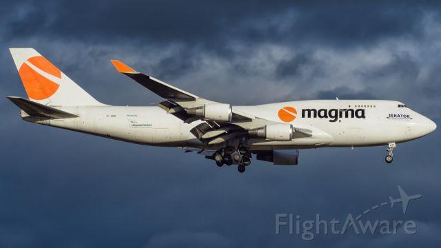 Boeing 747-400 (TF-AMN)