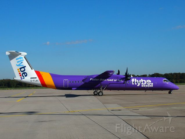 de Havilland Dash 8-400 (G-FLBC)