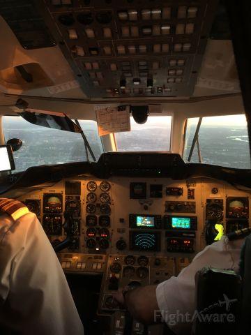British Aerospace Jetstream Super 31 (C-FFPA) - Vue du cockpit intérieur en plein vol.