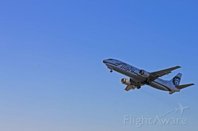 BOEING 737-400 (N797AS) - Alaska Airlines 737-400 blasting out of Kodiak.