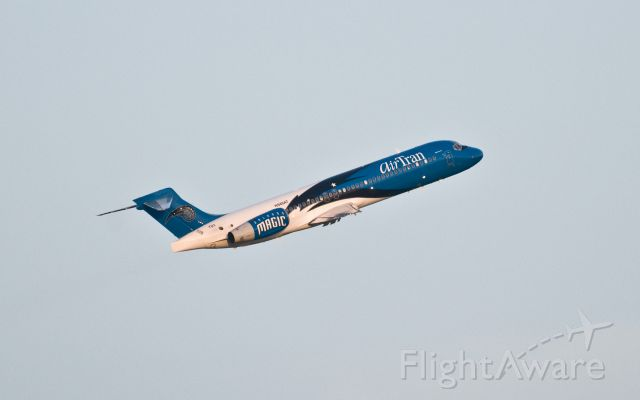 — — - Airtran B717 with Orlando Magic NBA team livery