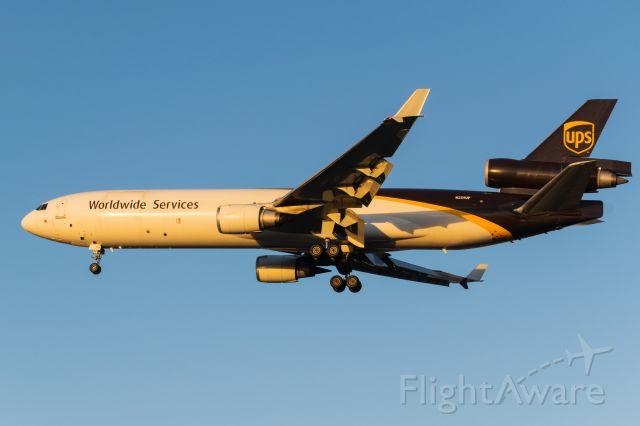 Boeing MD-11 (N259UP) - Arriving 31L