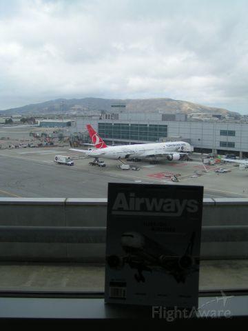 BOEING 777-300 (TC-JJS) - May 18, 2015