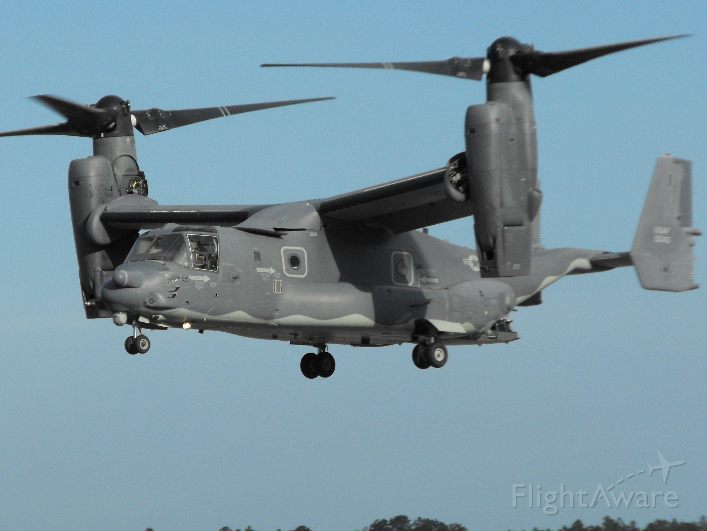 Bell V-22 Osprey (09-0040) - USAF MV-22 doing some stop-n-gos on RWY36
