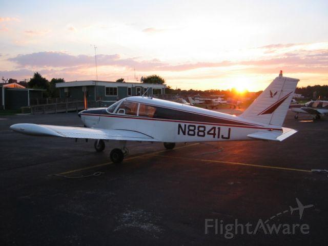 Piper Cherokee (N8841J) - Piper Cherokee 180D