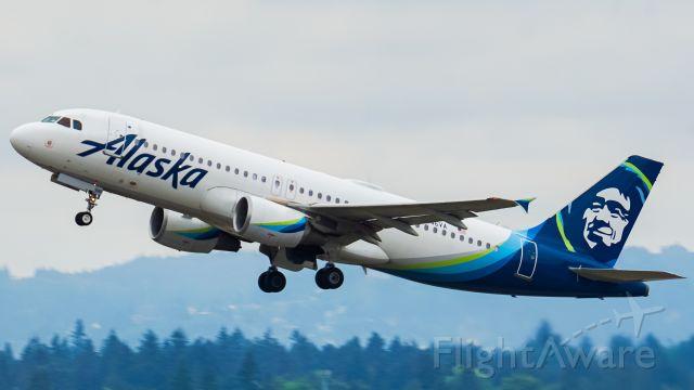 Airbus A320 (N846VA) - N846VA taking of from runway 10R.