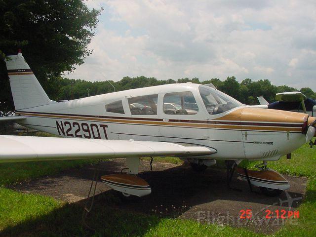 Piper Cherokee (N2290T)