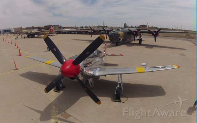 North American P-51 Mustang (NL251MX) - Does this lens make my prop look big?