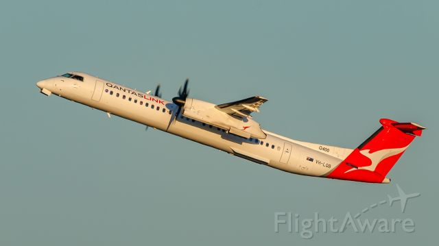 de Havilland Dash 8-400 (VH-LQB)