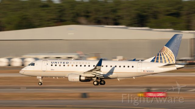 Embraer 175 (N150SY) - United E175 departure role from Rankin Road