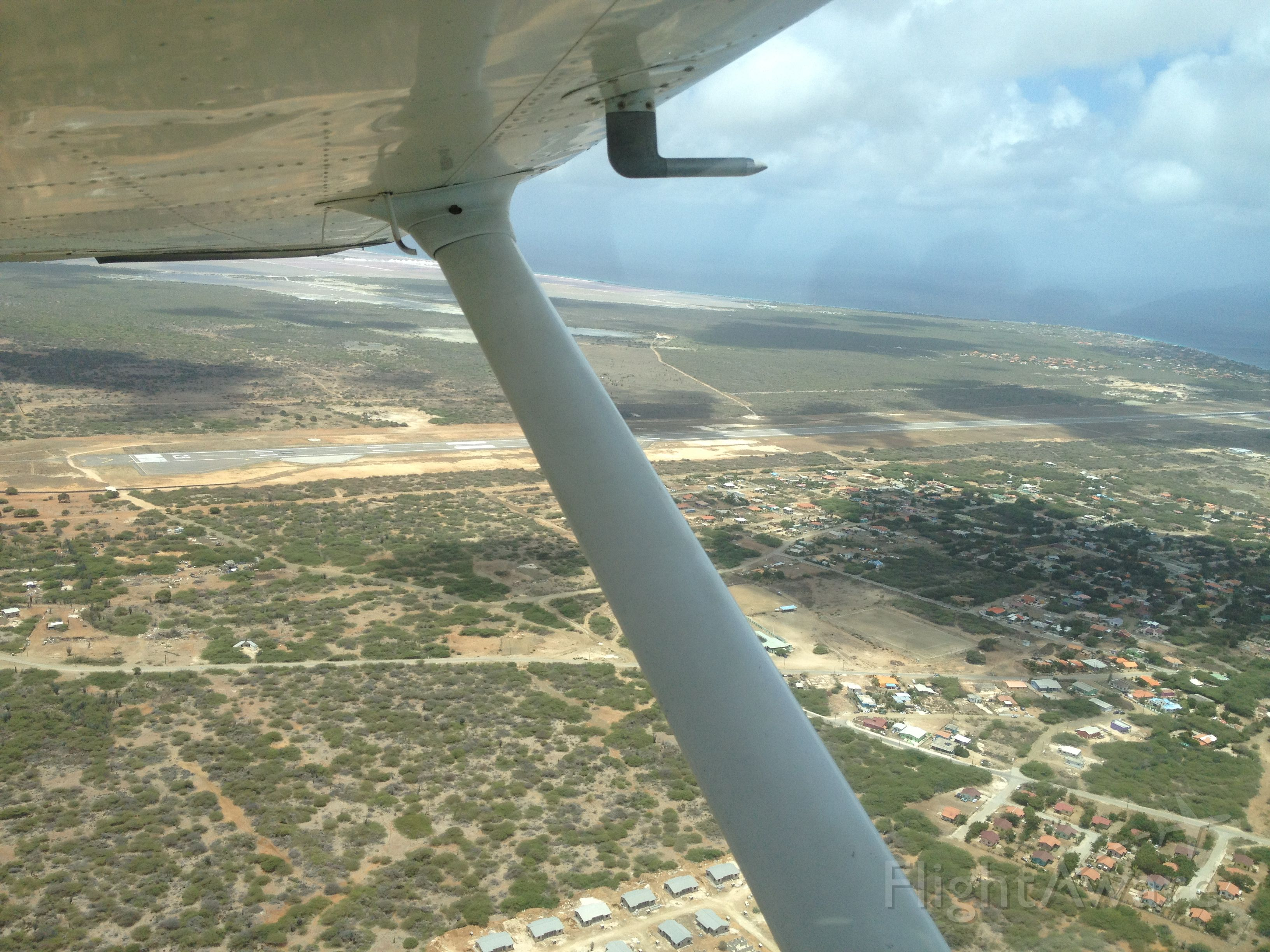Cessna Skyhawk (N51832) - Cross Country flight from Curacao (TNCC) to Bonaire (TNCB)