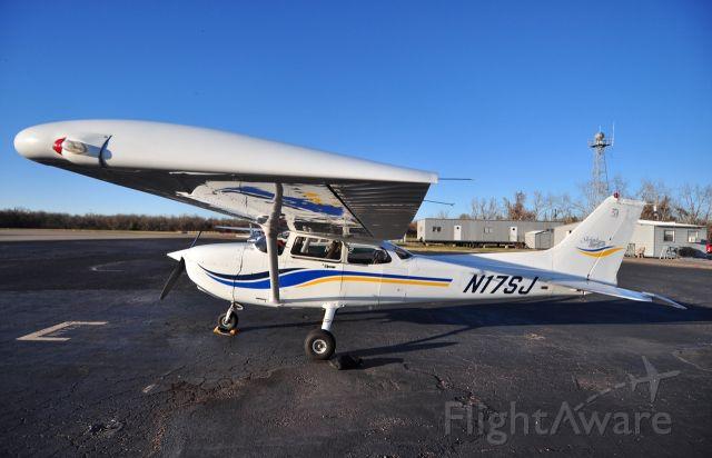 Cessna Skyhawk (N17SJ) - N17SJ of Anson Air