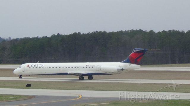McDonnell Douglas MD-88 (N913DE) - Taken March 19, 2015.