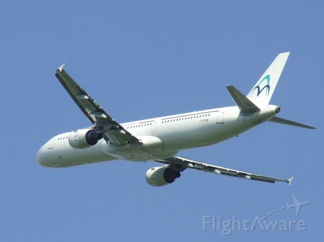 Airbus A321 (F-CYAN) - cleaning up after taking off rwy 24