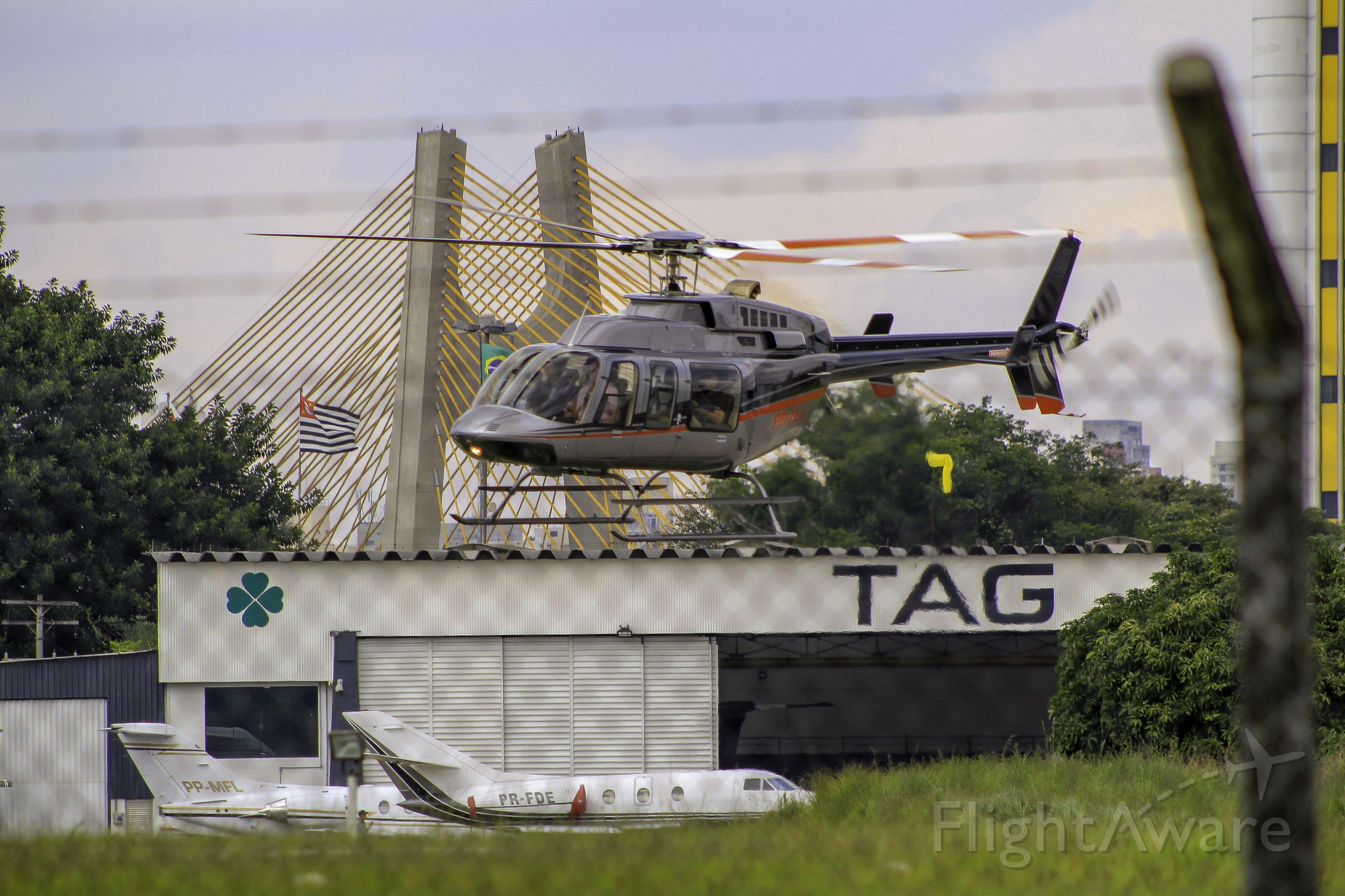 Bell 407 (PR-HLA)