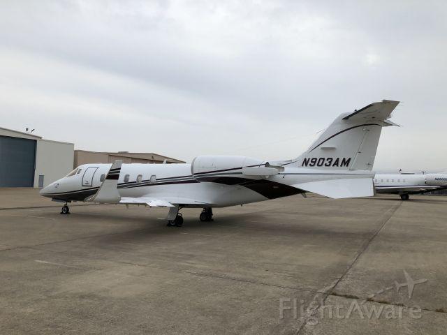 Learjet 60 (N903AM)