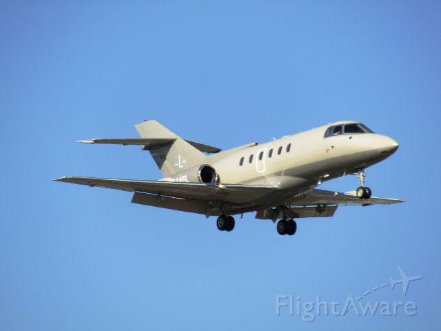 Raytheon Hawker 800 (N244FL) - Landing RWY 20R