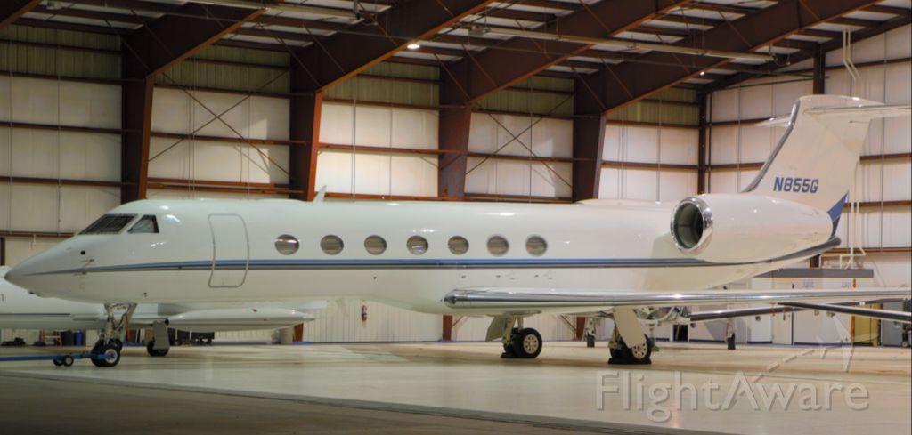 Gulfstream Aerospace Gulfstream V (N855G) - Tucked in for the night. Photo credit: DBC
