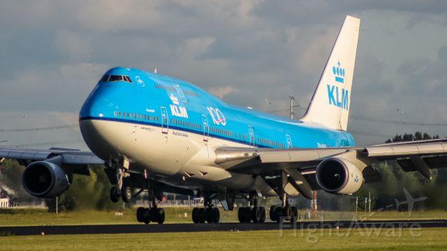 Boeing 747-400 (PH-BFG) - Polderbaan :D