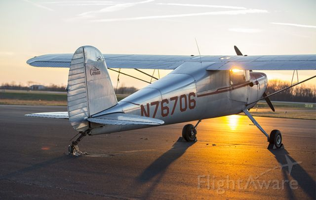 Cessna Skyhawk (N76706) - Another beautiful sunset in the bluegrass!