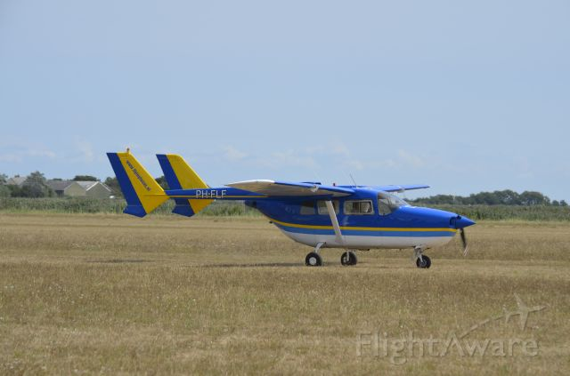 Cessna Super Skymaster (PH-FLF)