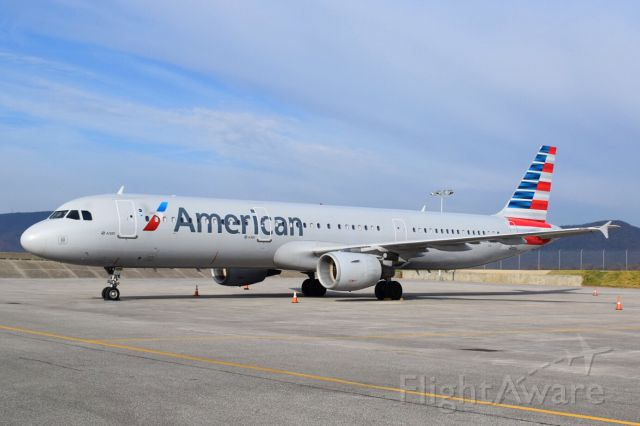 Airbus A321 (N172US) - Charter for the Pittsburgh Panthers