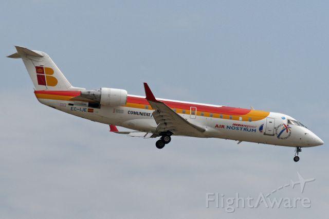 Canadair Regional Jet CRJ-200 (EC-IJE)