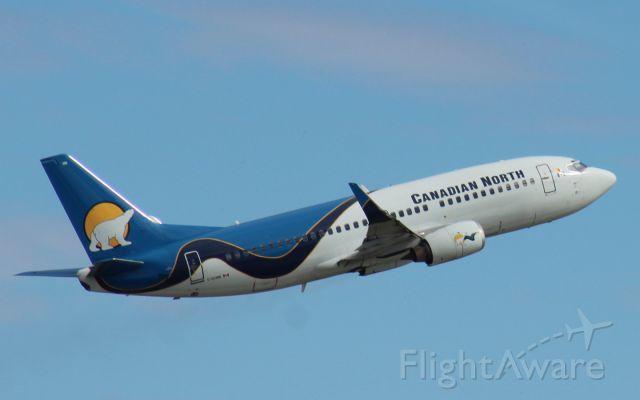 Boeing 737-700 (C-GCNW)
