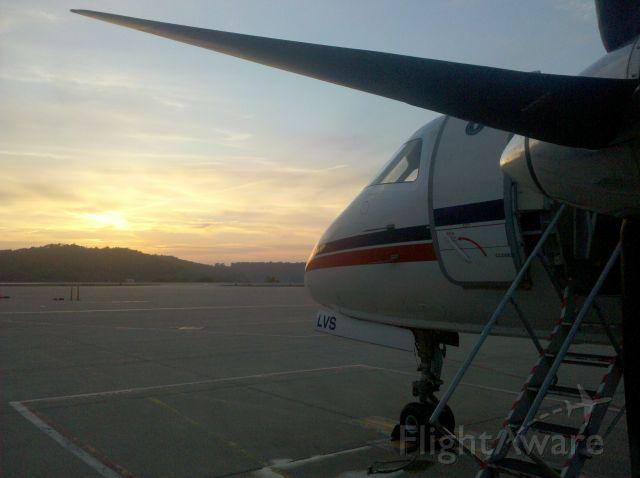Saab 340 (N251CJ) - Saab 340 watches the sunset in KCRW.