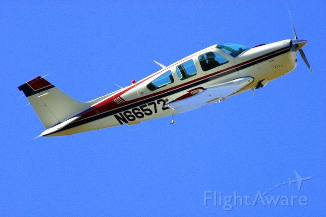 Beechcraft Bonanza (33) (N66572)