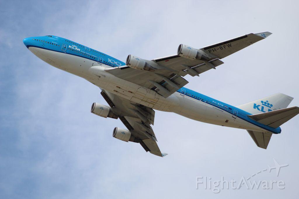Boeing 747-400 (PH-BFW) - KLM's 100 years of flight livery