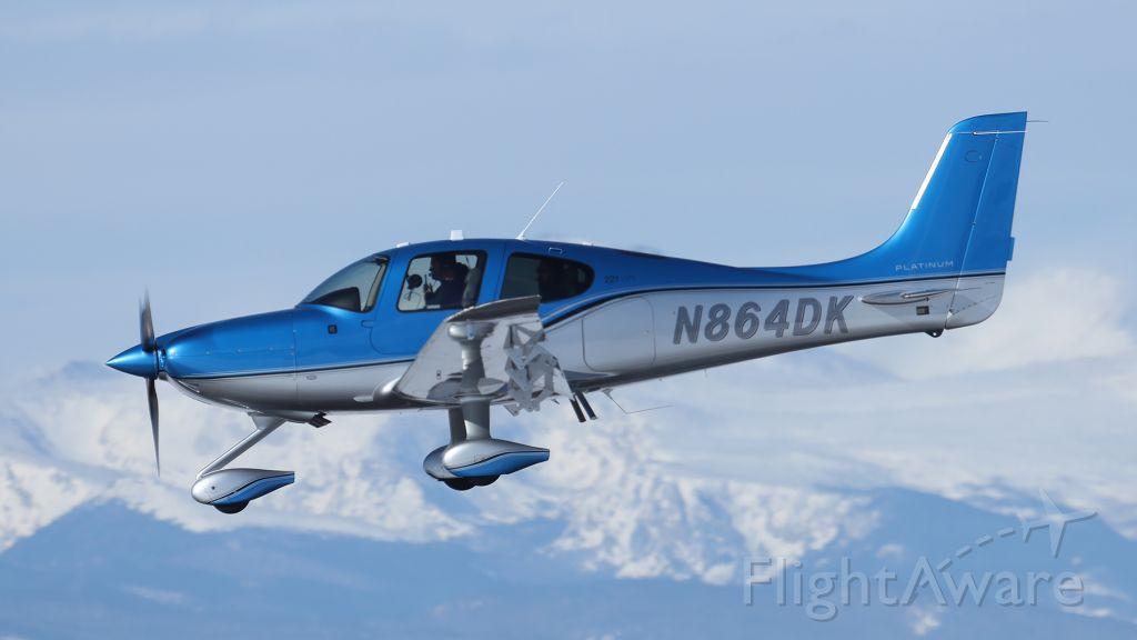 Cirrus SR22 Turbo (N864DK)