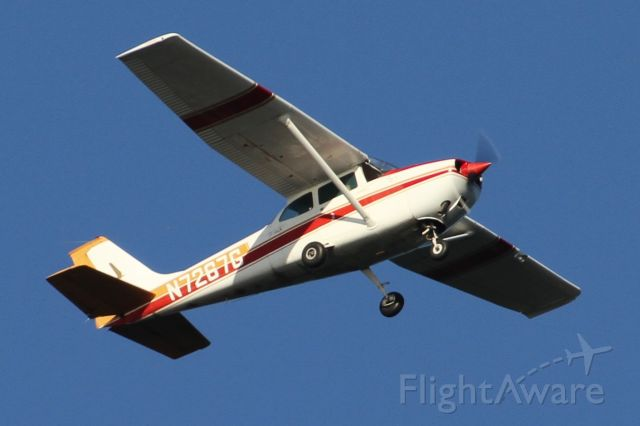 Cessna Skylane (N7267G) - Over Mercer Island, WA
