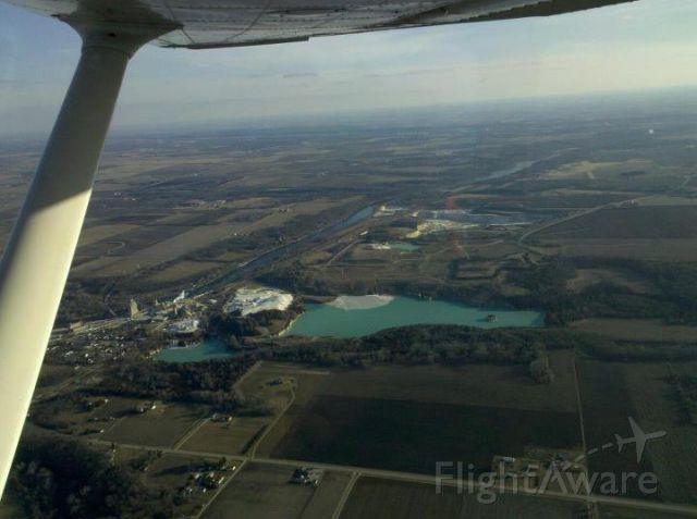 Cessna Skyhawk (N737YC) - Passing north of Skydive Chicago (8N2)