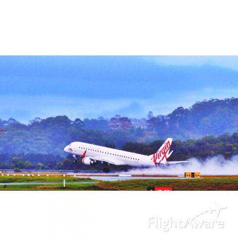 Embraer ERJ-190 (VH-ZPQ) - Wet departure for a Virgin Embraer ERJ-190