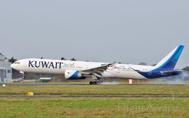 BOEING 777-300 (9K-AOH) - kuwait b777-369er 9k-aoh landing at shannon 25/12/18.