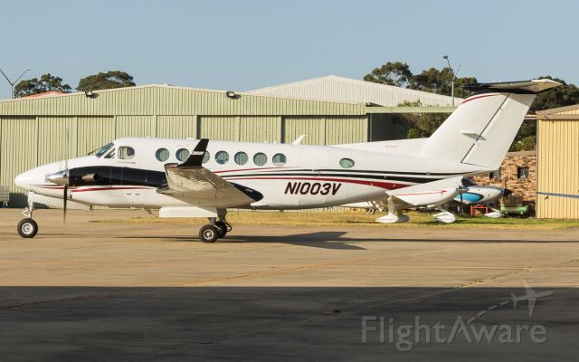 Beechcraft Super King Air 350 (N1003V) - Brand new king air 350i Arriving at the hangar after a long flight from Wichita USA