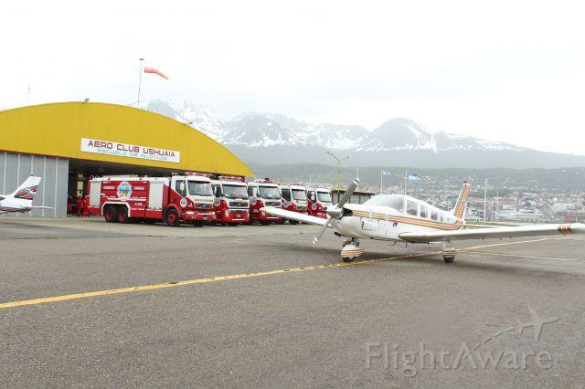 — — - Bomberos Voluntarios Ushuaia en el aniversario del AeroClub de la ciudad de Ushuaia TDF Argentina