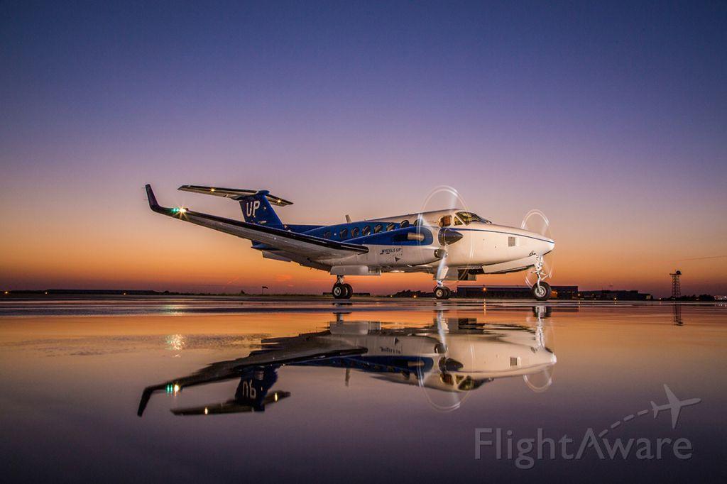 Beechcraft Super King Air 350 (N829UP)