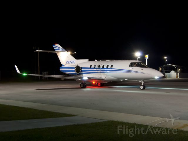 Raytheon Hawker 800 (N955SE) - Loving the new noise reduction features of CS5!  Night time ops at Winchester (KBGF).