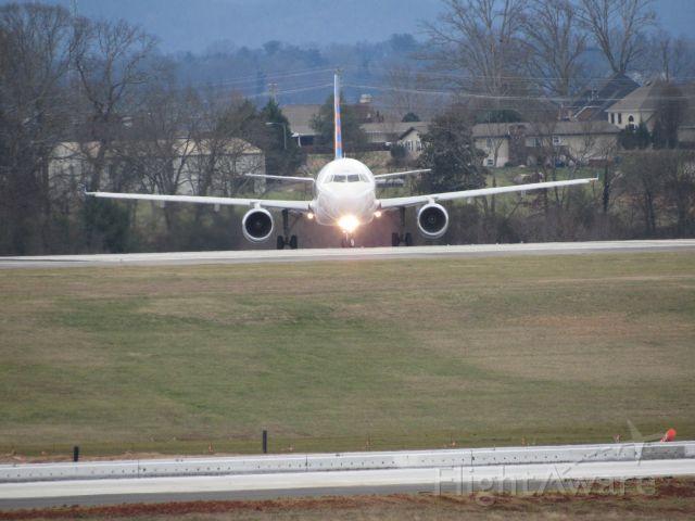 Airbus A320 (N235NV)