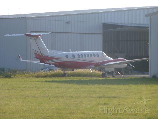 Beechcraft Super King Air 300 (N942BG)