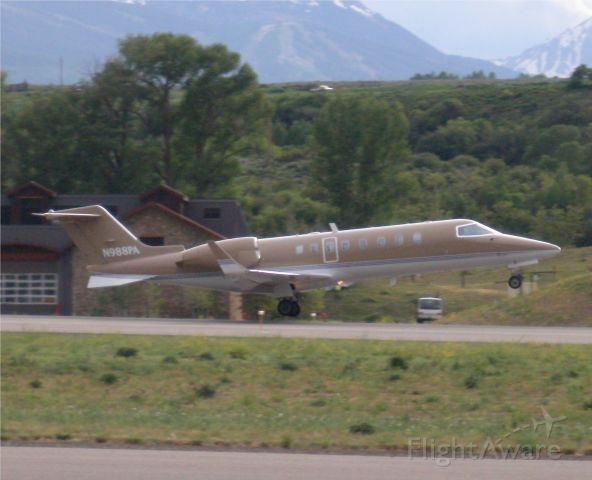 Learjet 45 (N988PA)
