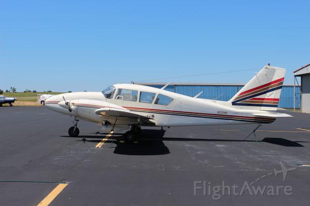 Piper Apache (N222WB)