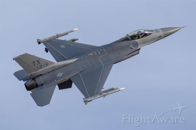 Lockheed F-16 Fighting Falcon (86-0216)