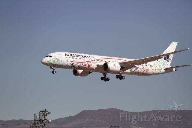 Boeing 787-9 Dreamliner (XA-ADL) - FINAL APPROACH 27 MMTJ