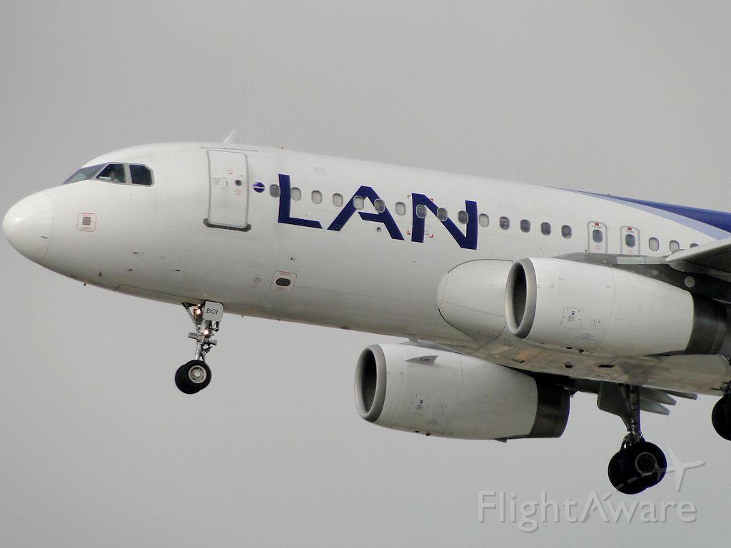 Airbus A320 (LV-BOI)