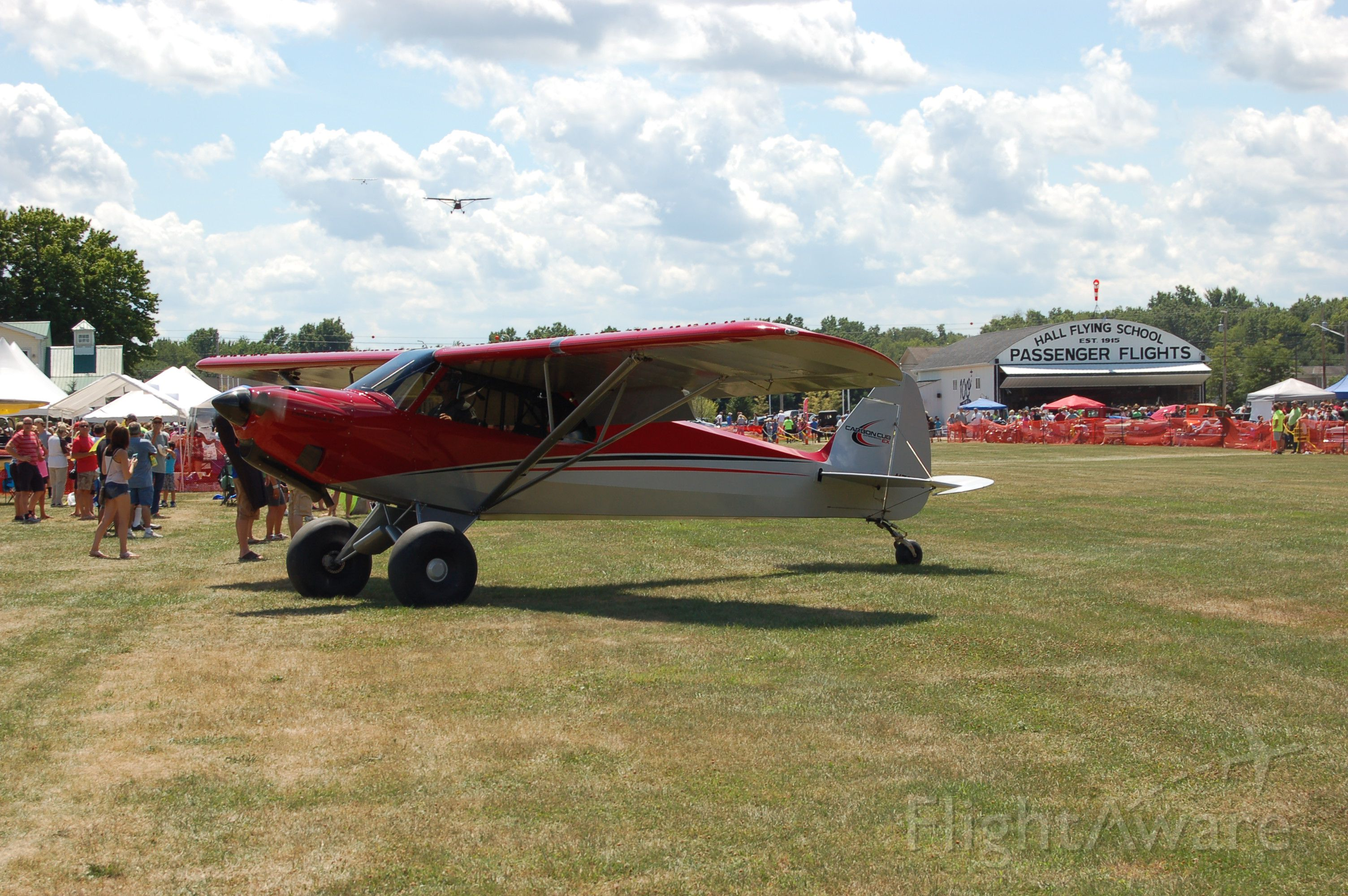 — — - Wings & Wheels 2016! Sloas Field. Carbon Cub, gets off the ground in about 100!